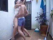 Sexo no corredor com a vizinha de pijama