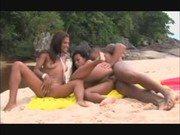Filme porno na praia com as brasileiras gatinhas gostosas