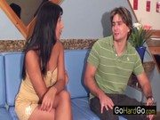 Coroa brasileira Monica na entrevista e pirocada