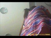 Ninfeta sendo filmada por baixo de vestido sem calcinha