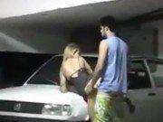 Xxx de casal dando uma no estacionamento do prédio