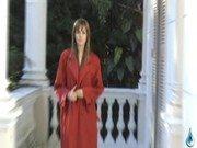 Gata veridiana em ensaio nu mostrando corpão