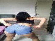 Amador de novinha dançando o quadradinho nessa putaria