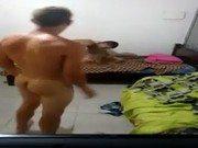 Dois safados garotos com a estudante brasileira metendo