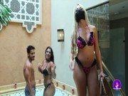 Banheira da putaria com essas funkeiras brasileiras