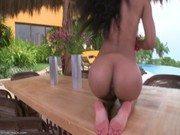 Video porno da puta em cima da mesa do jantar dando