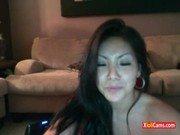 Pornhub da asiática linda na cam se consolando com gosto