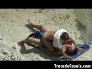 Sexo filmado desse casal safadinho na praia