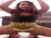 Xnxx de teen indo até o chão na dança sexy
