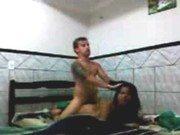 Rogério fodendo a puta gostosa na cama