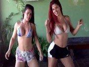 Xvideo de duas amiguinhas no concurso de dança