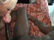 Porno interracial de loira milf Alexis com o negão