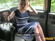 Redtube de falso táxi com essa loira safadinha