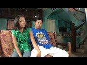 Filipino teen com o moreno asiático