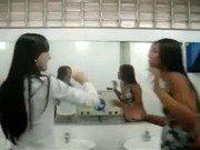 Xxx de adolescentes safadas no colégio dançando