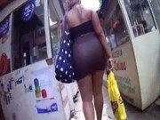 Filmando a gostosa mulher de saia