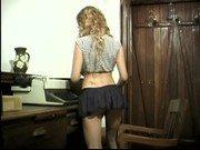 Vídeo de sexo da vadia Júlia dando a bundinha