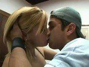 Beijando a gostosa da Roseane e madeirando