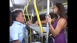 Ju pantera fazendo sexo no ônibus em fim de linha