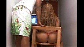 Brasileira de 22 anos com rabo bem grande no porno