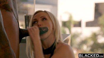 Nikki Benz transa gostoso com negão no xvideos