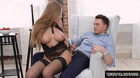 Foda anal com a bem vestida Katarina Muti
