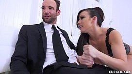 Jennifer White chupa pica do amigo maridão e transa