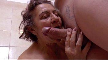 Velhas cheias de amor para dar em filme porno